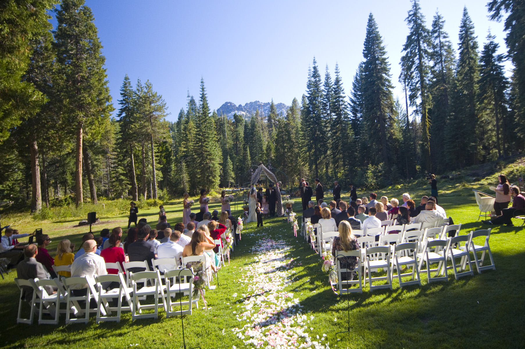 Wedding photograph of ceremony near Mt Shasta California